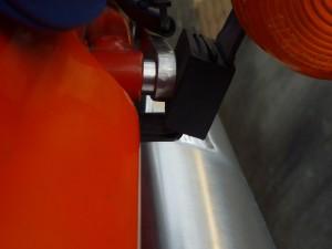 fig10 ウインカーホルダーにウインカーマウンティングラバーを取り付けます。アルミステーと干渉しますがゴムなので良しとします。